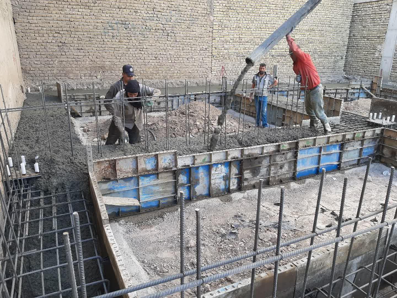 ۵۰ تن سیمان برای تکمیل کتابخانه عمومی شهدای گمنام سبزوار اهدا شد