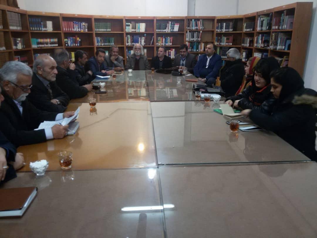 جلسه انجمن شعر آیینی مشکات